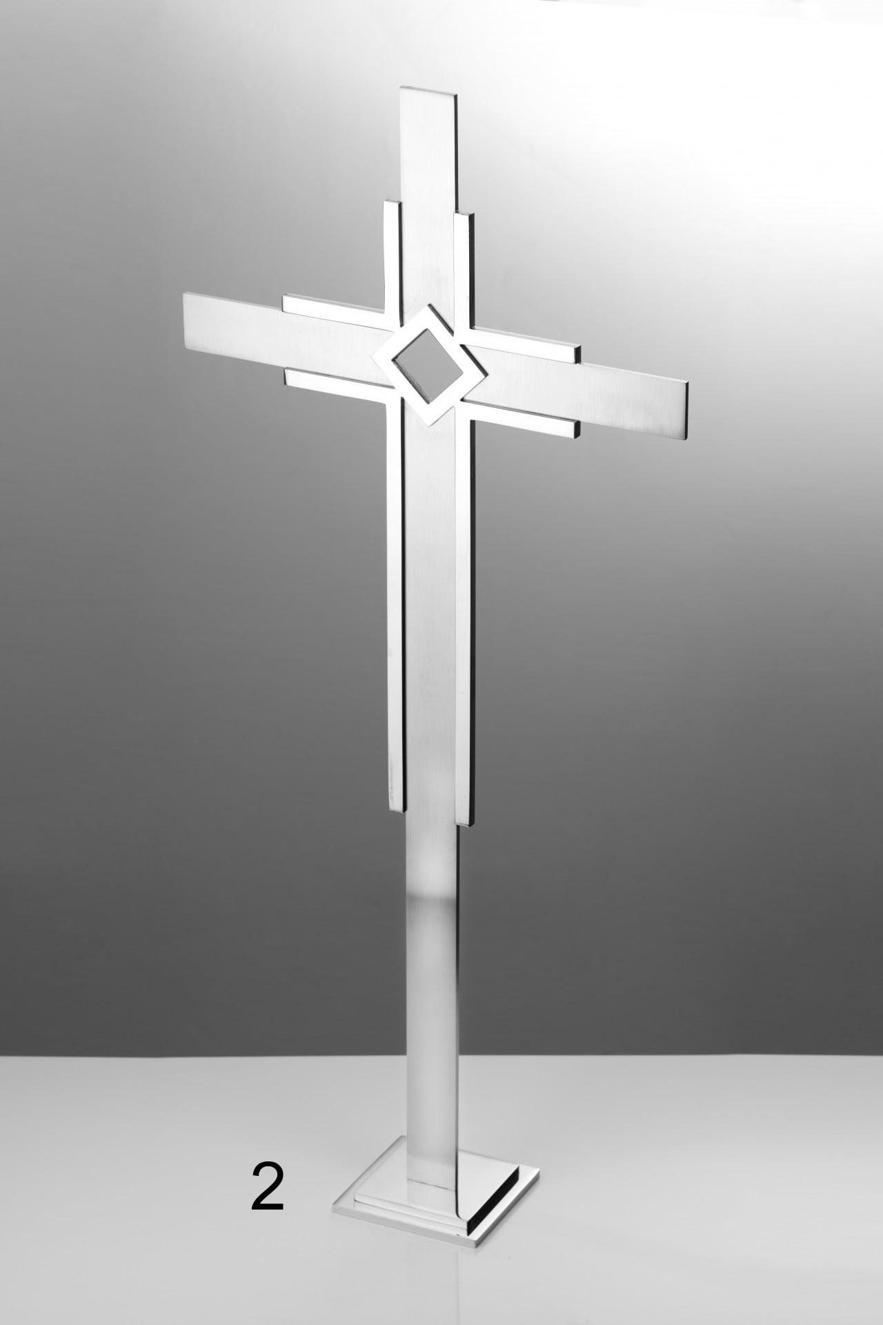 Srebrny wysoki krzyż - Nagrobki Bielsko-Biała