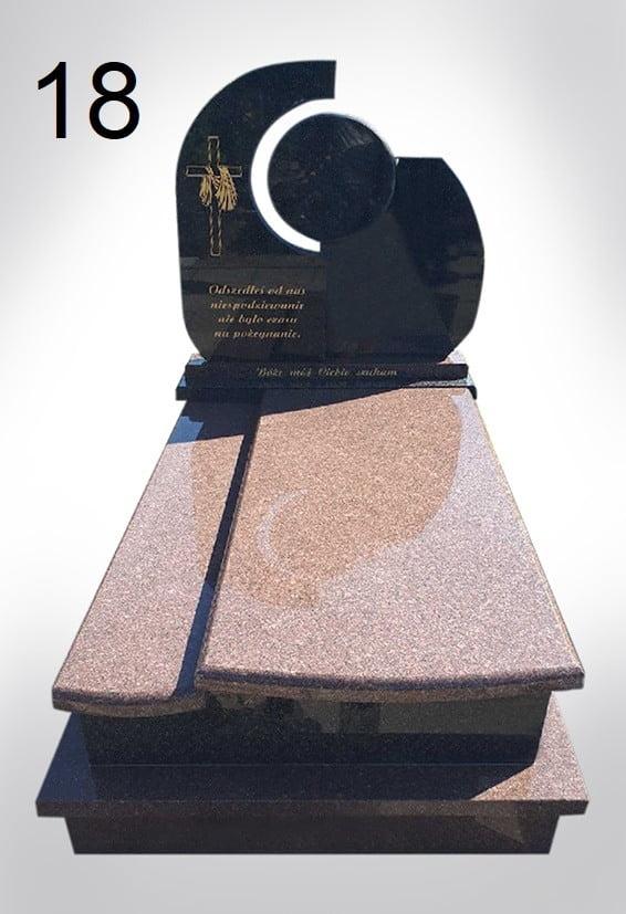 Czarny nagrobek ze złotym krzyżem - Nagrobki Bielsko-Biała