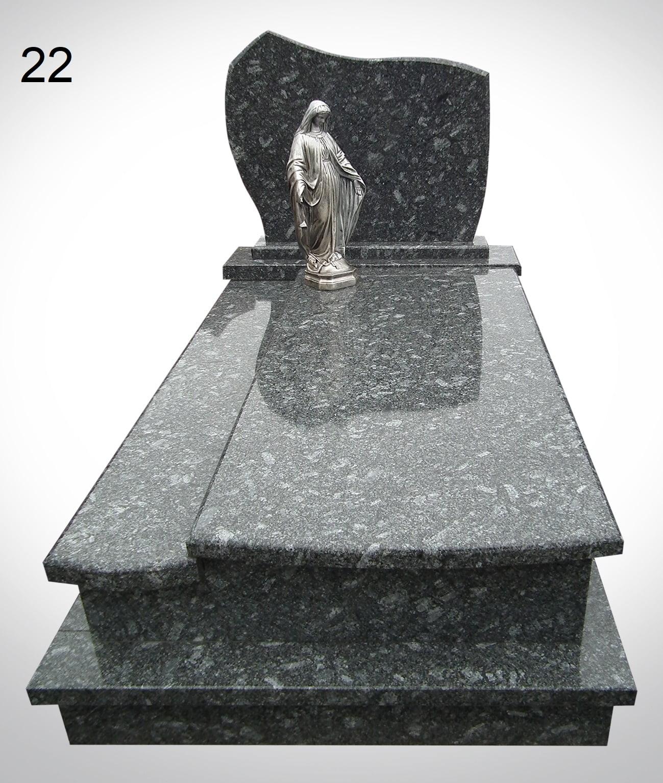 Ciemny nagrobek z rzeźbą anioła - Nagrobki Bielsko-Biała