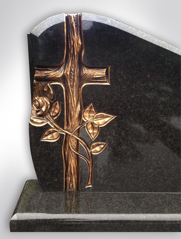 Złoty krzyż z różą - Nagrobki Bielsko-Biała