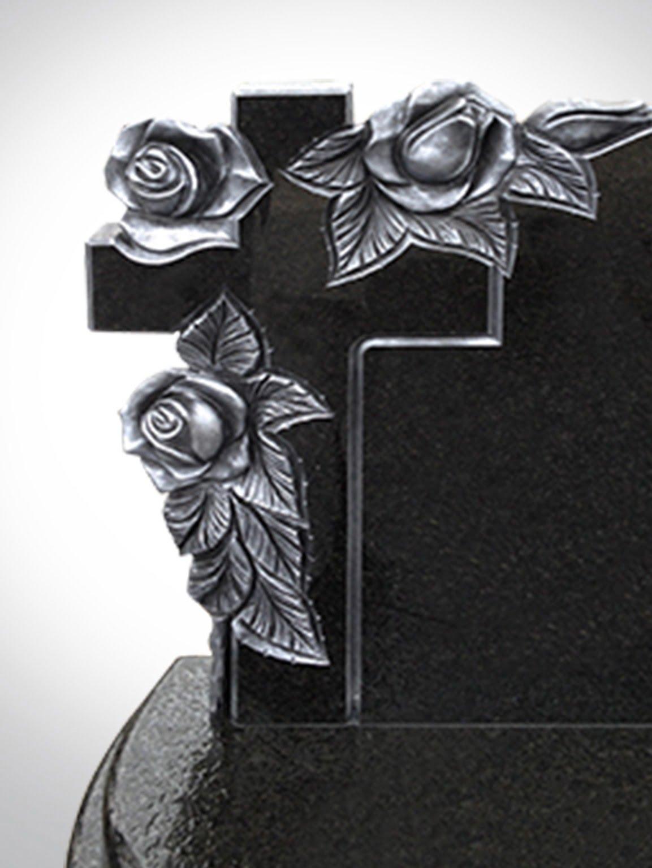 Czarny krzyż z różami - Nagrobki Bielsko-Biała