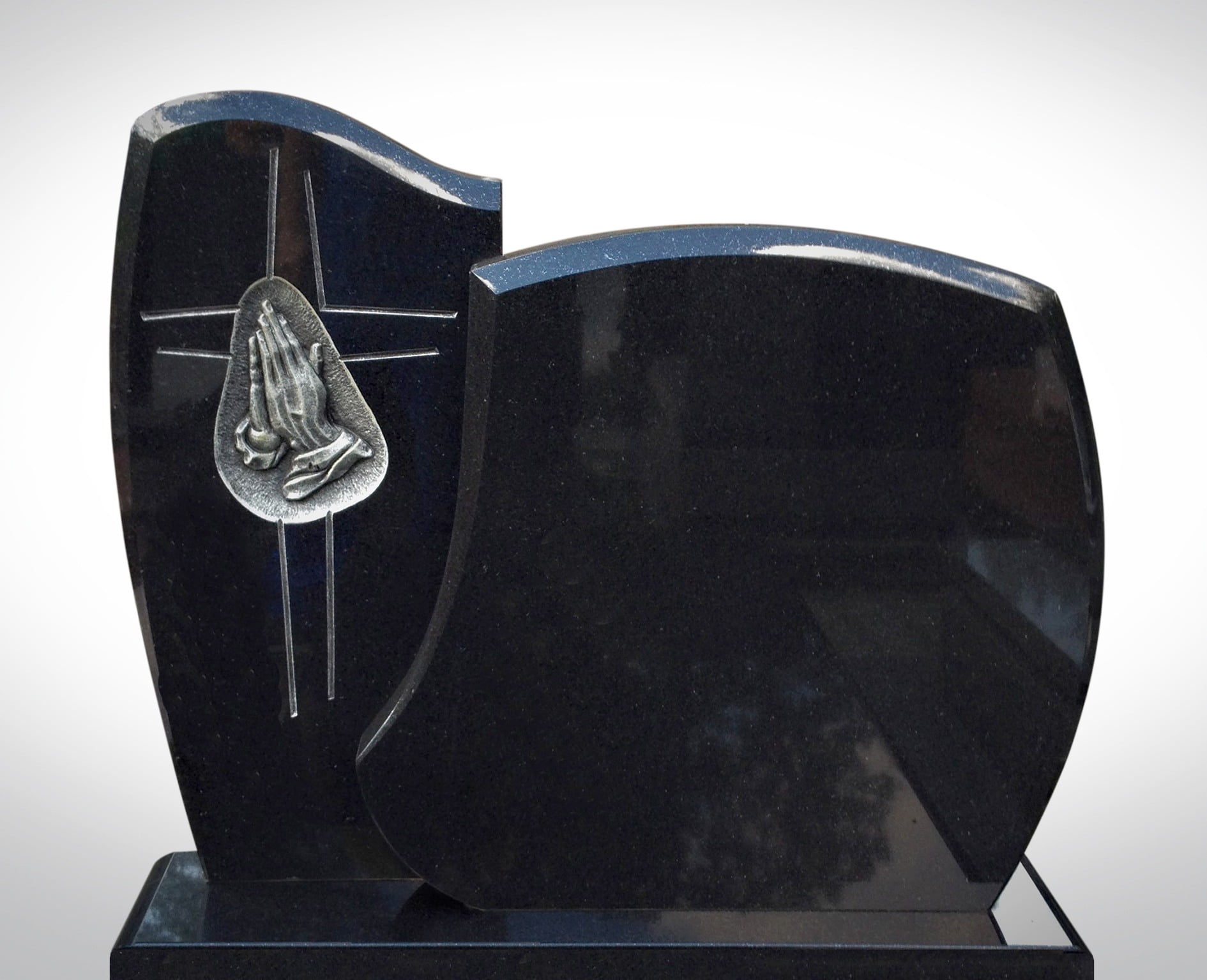 Czarny nagrobek z rzeźbą rąk - Nagrobki Bielsko-Biała