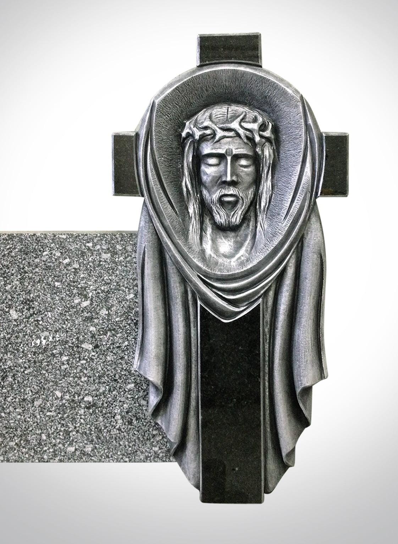 Rzeźba krzyża z Jezusem - Nagrobki Bielsko-Biała