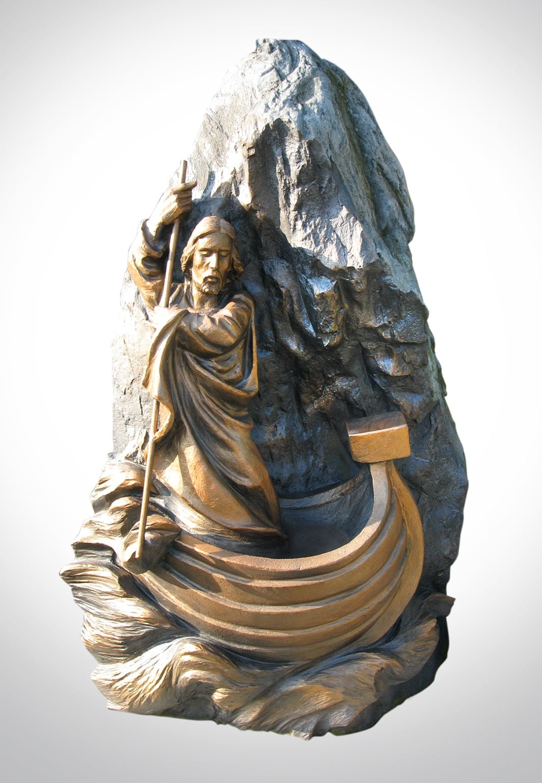 Rzeźba Jezusa na łodzi - Nagrobki Bielsko-Biała