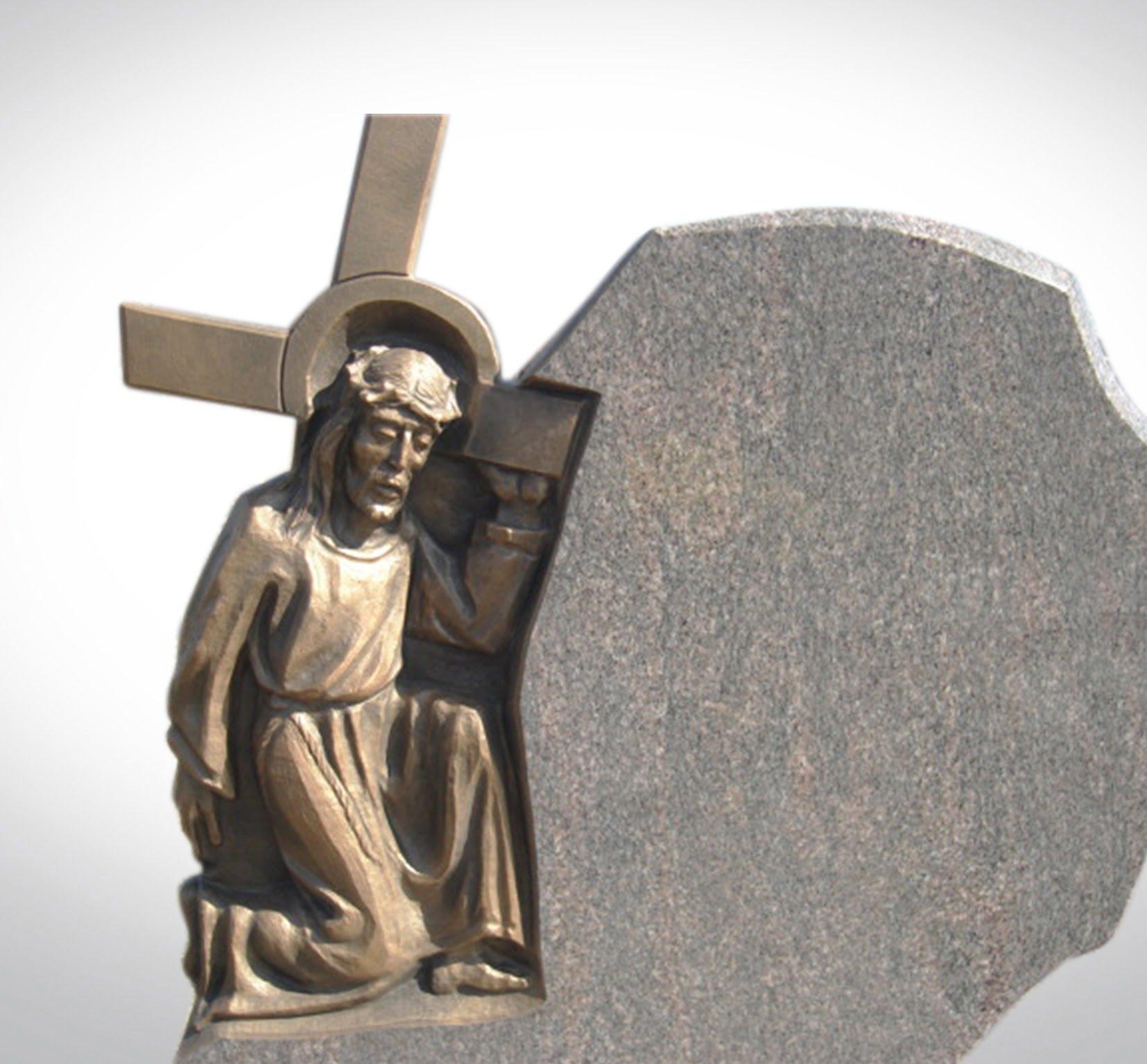 Jasny nagrobek z jezusem - Nagrobki Bielsko-Biała